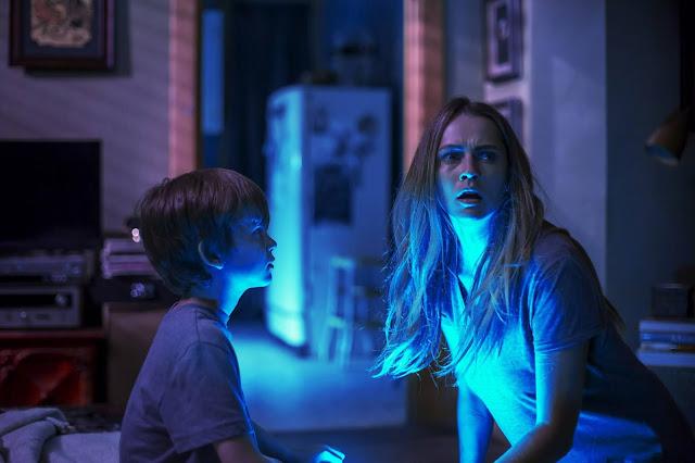 Tráiler de la terrorífica 'Nunca apagues la luz'