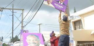 Alfredo Martínez dispone el retiro de toda su propaganda política en el municipio SDE