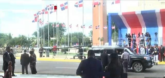 Llegan legisladores e invitados al Congreso Nacional RD
