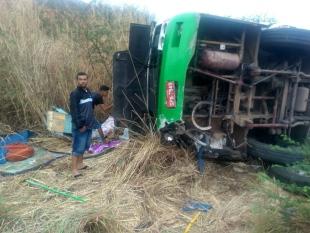 Acidente com ônibus de romeiros em Caririaçu deixa pelo menos dois mortos