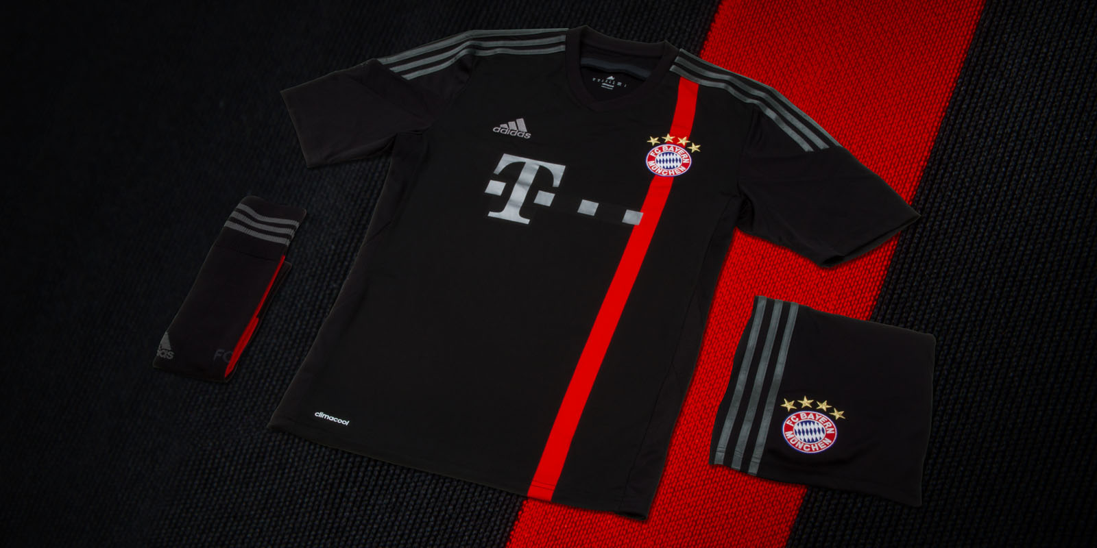 the latest 8e44a 3a92b Footy News: FC Bayern Munchen Home, Away, Third and ...