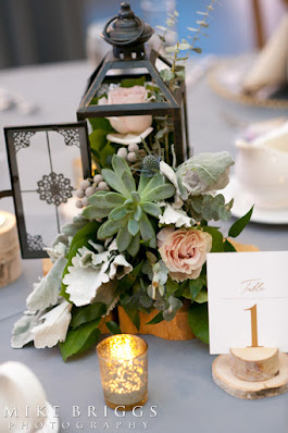 Floral blooms and succulents table decoration