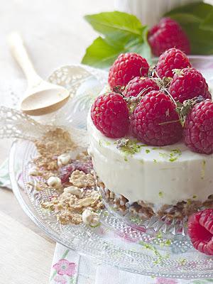 Cheesecake sans cuisson céréales et framboises