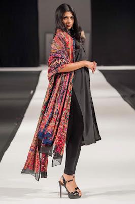 Komal-Nasir-Velvet-Shawl-Collection