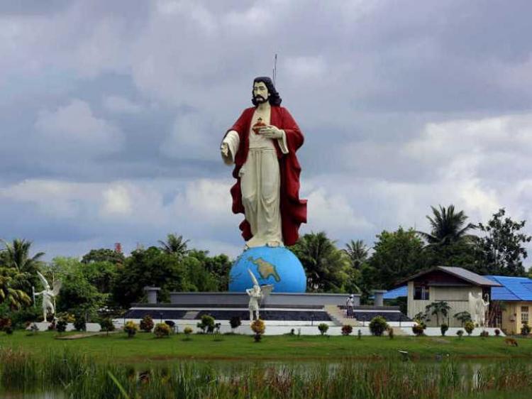 Pembangunan Patung Yesus di Sini Disetop, Apa Alasannya?