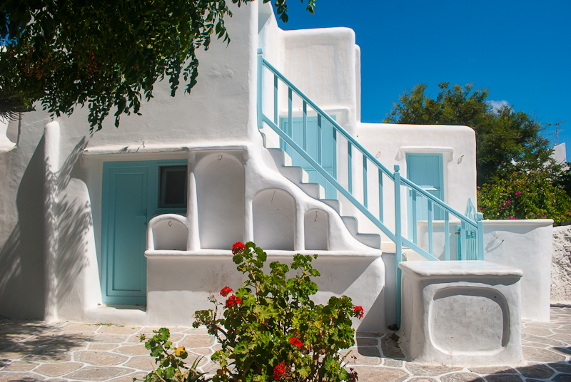 unique greek architecture in mykonos town