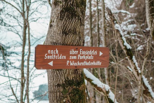 Nachtrodeln und Winterwandern in Saalfelden-Leogang  im Salzburgerland  Winterwanderung zur Einsiedelei  Nachtrodeln am Biberg 12