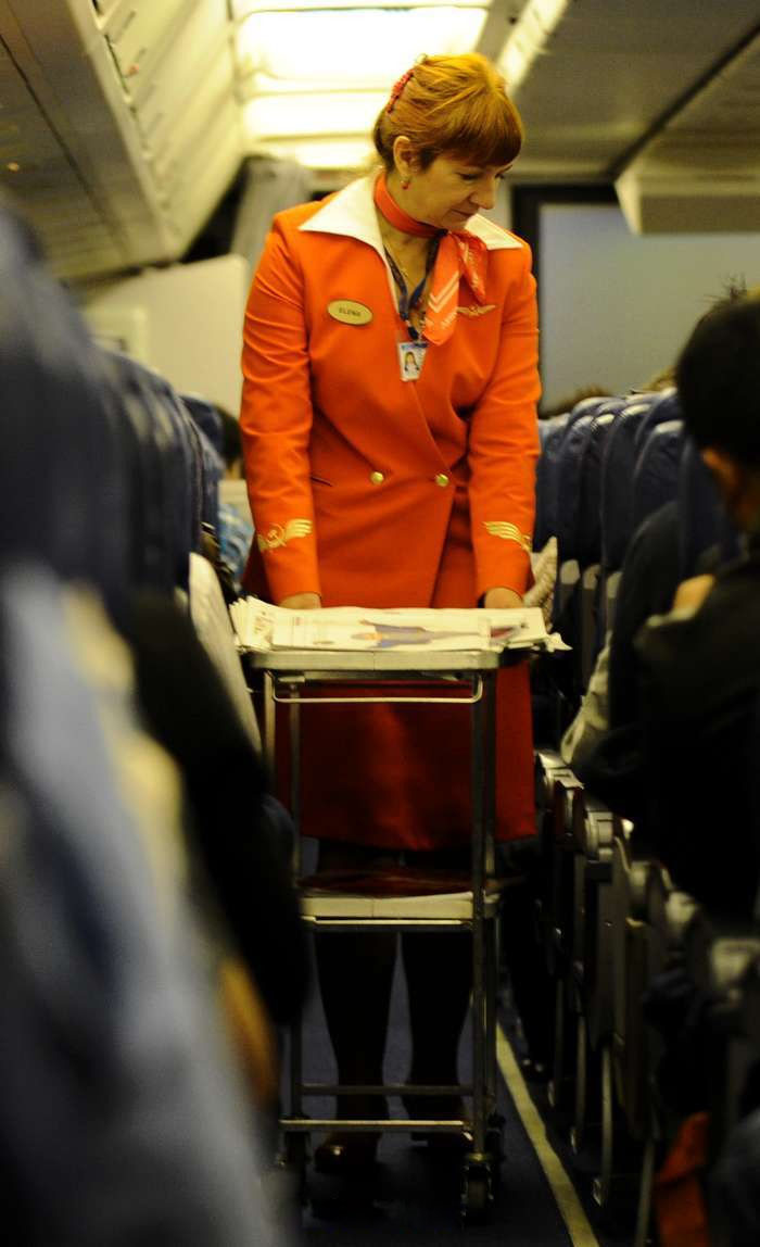 Japanese cabin attendants service - 4 2