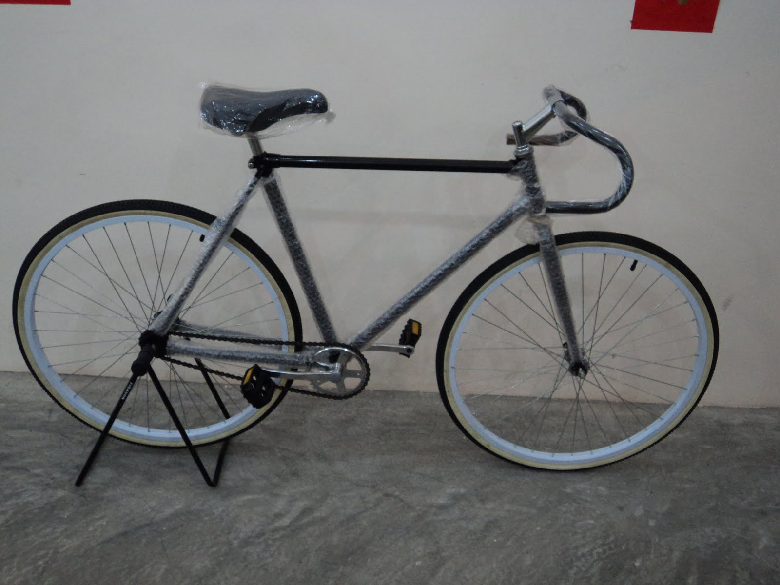 """The Right Bike Store II: 26"""" Local Made Brand New Old"""