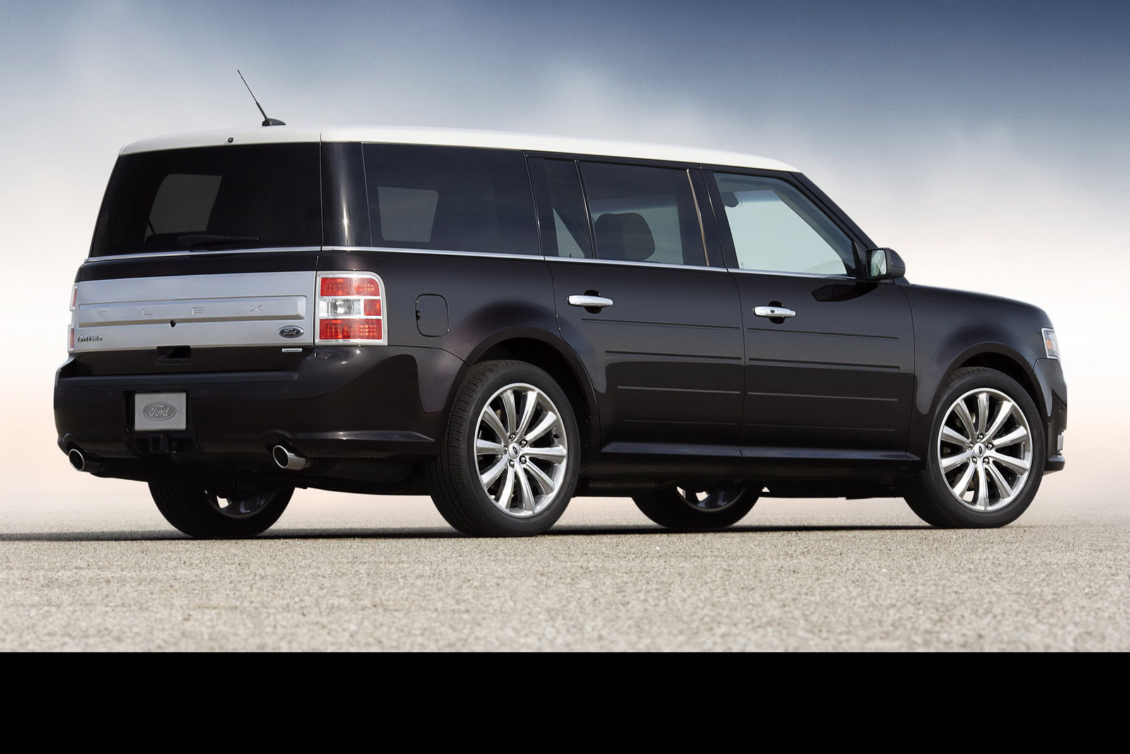 curious ford flex set to be killed in 2020 carscoops. Black Bedroom Furniture Sets. Home Design Ideas