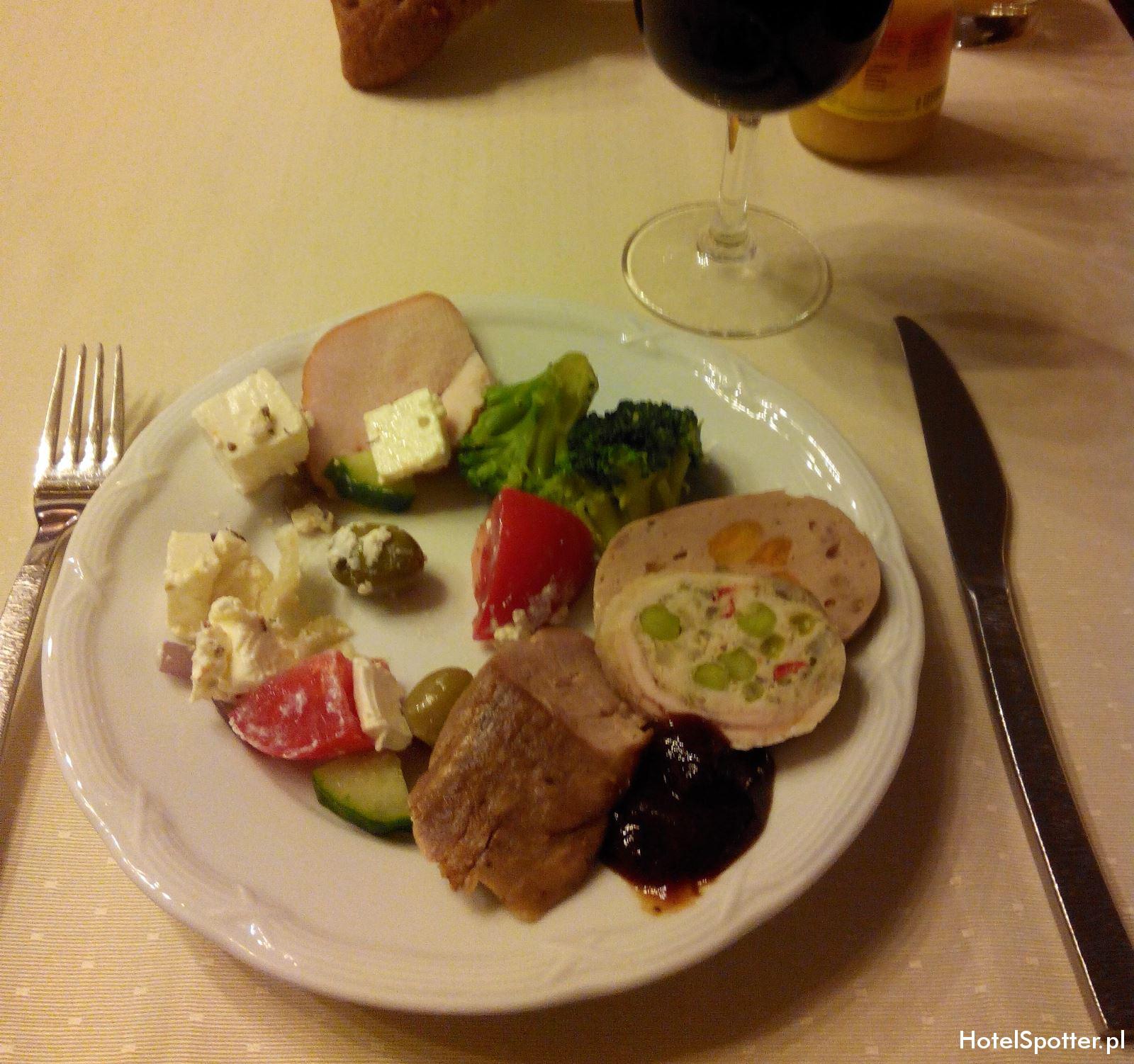 Hilton Budapest hotel recenzja review executive lounge jedzenie