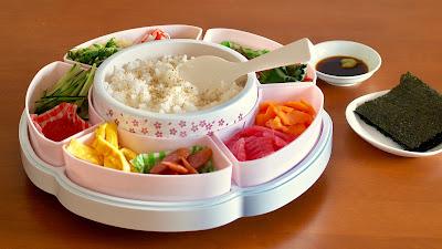 Temakizushi (Hand Rolled Sushi)
