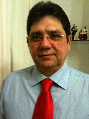 Calangotango: José Lins (@ZLins) em 1.400 caracteres