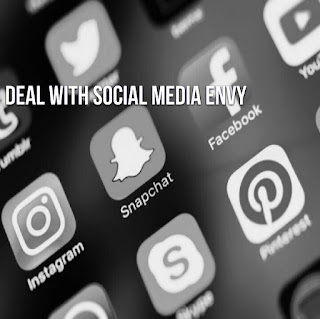 deal with social media envy