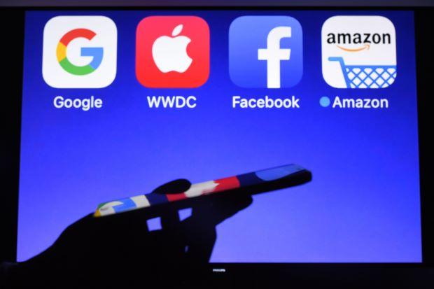 διαδικτυακή συνείδηση γνωριμιών Ορλάντο dating ιστοσελίδες
