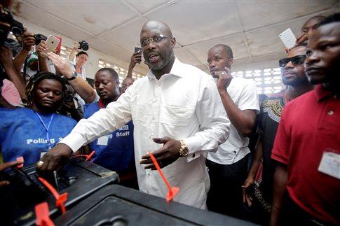 Με τον «αέρα» του 39%, έτοιμος για Πρόεδρος της Λιβερίας ο Ζορζ Γουεά