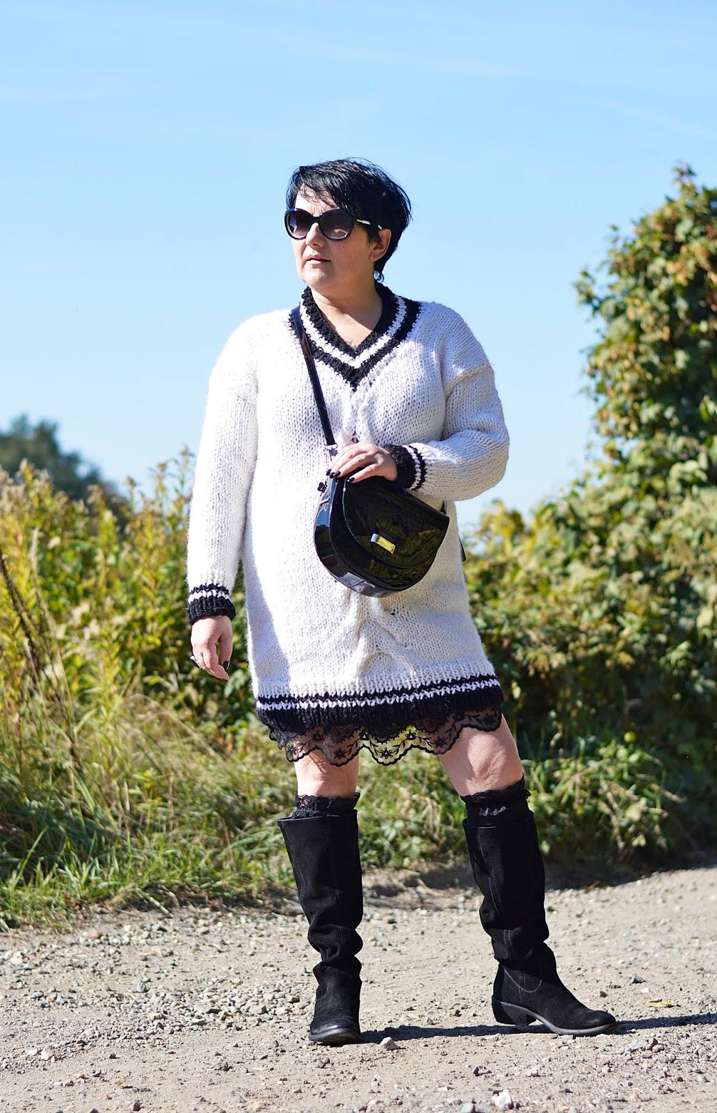 Woolen World by Sonia Dziech