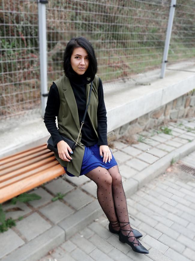 outfit khaki vest blogger everythin-kate style