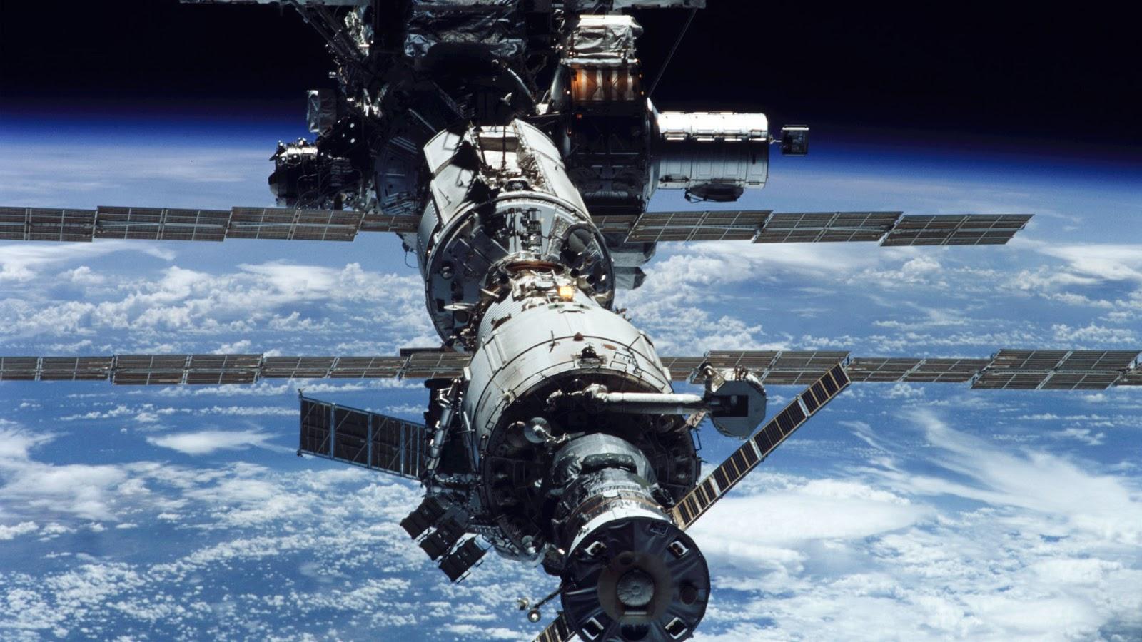 hi def space station - photo #1