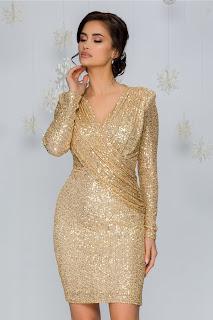 Rochie Simina cu design petrecut din paiete aurii
