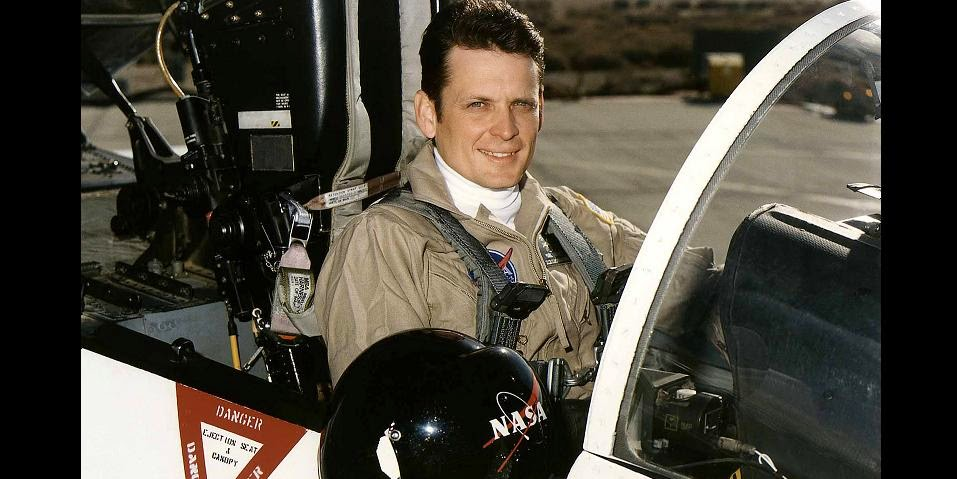 Virgin Galactic has announced the engagement of Mark  Mark Stucky Appointed every bit Virgin Galactic's Pilot