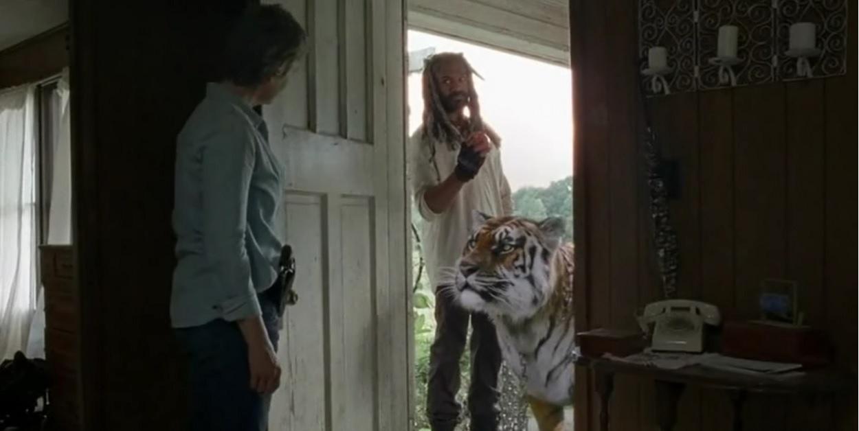 Ezekiel, Shiva y Carol, en el episodio The Well de The Walking Dead