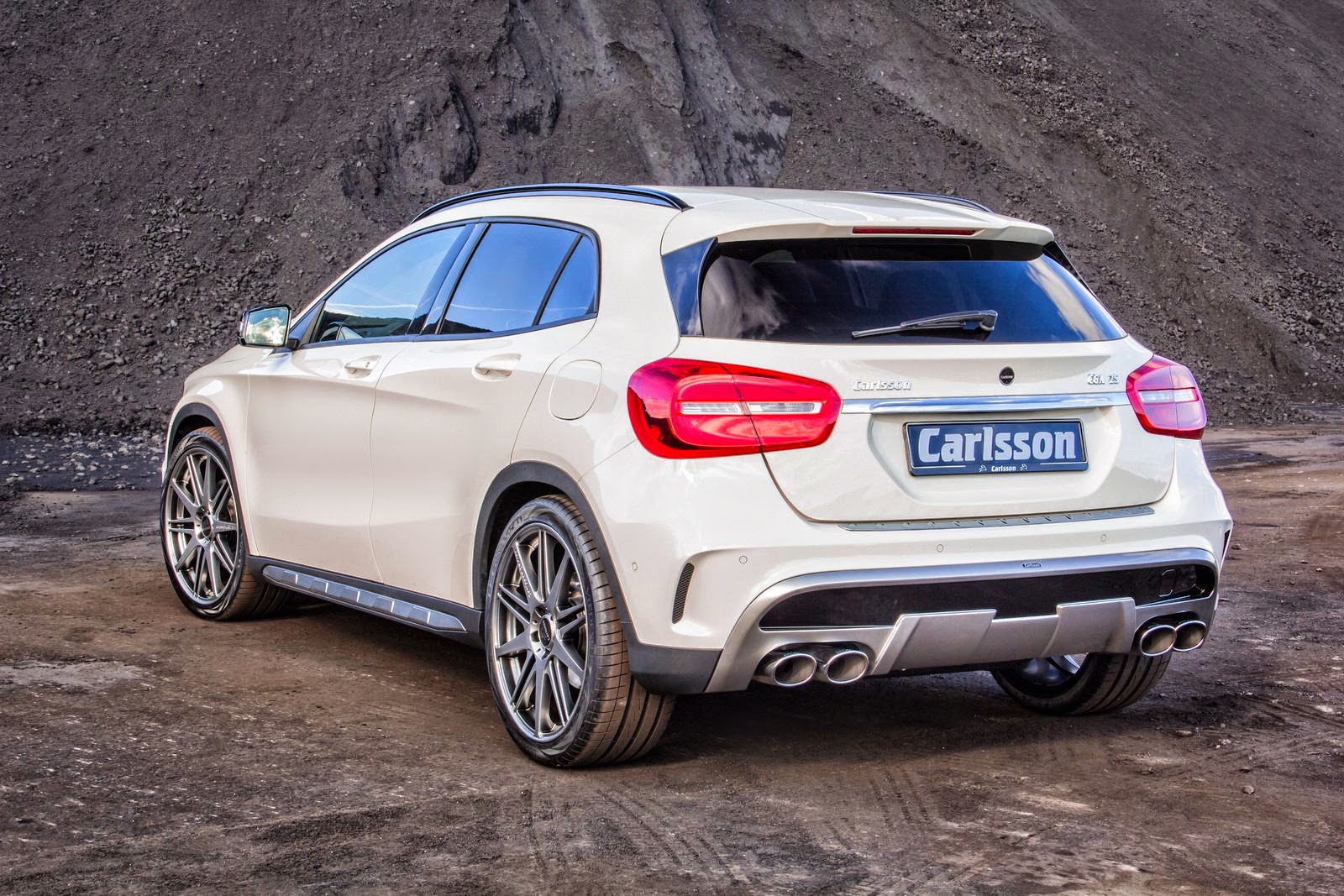 mercedes benz x156 gla class tuned by carlsson benztuning. Black Bedroom Furniture Sets. Home Design Ideas