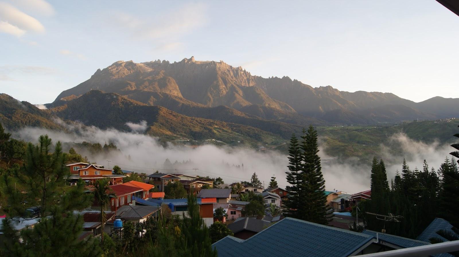 Rasakan Sensasi Mendaki Gunung Tanpa Tenda di Kinabalu