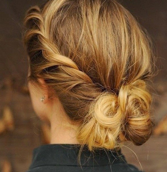 Hairstyles And Women Attire: 5 Trendy Messy Braid Bun Updos