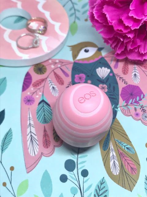 EOS Visibly Soft Coconut Milk Smooth Sphere Lip Balm Review