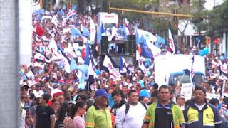 Miles de trabajadores marchan contra reforma fiscal en Costa Rica