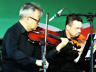Quarteto de Cordas da Orquestra da Unisinos - Geraldo Moori e Gean Potiguara Veiga (violinos)