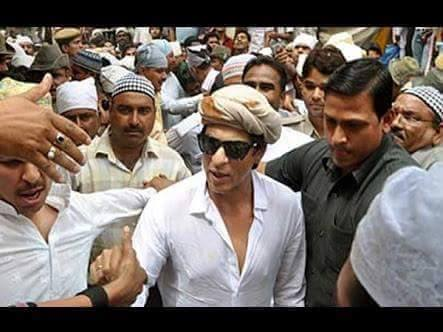 Bollywood celebrities visited and offered chaadar at for Roohi bano latest pics