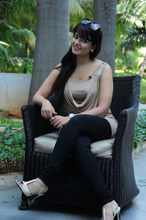 saloni , saloni new photo gallery