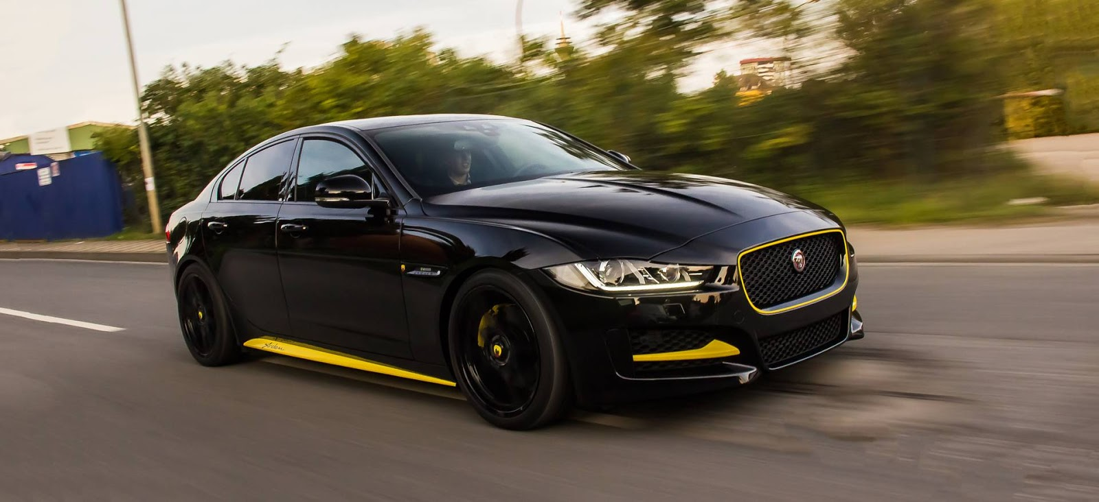 Arden Goes To Town On Jaguar Xe on Thats