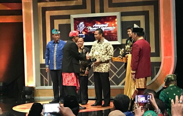 Hoyak Tabuik Piaman Raih Juara III Nasional Anugerah API 2017