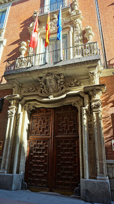 Entrada al Palacio de Santoña
