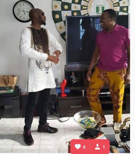 2Face Idibia Visits Ace Comedian Alibaba At Home