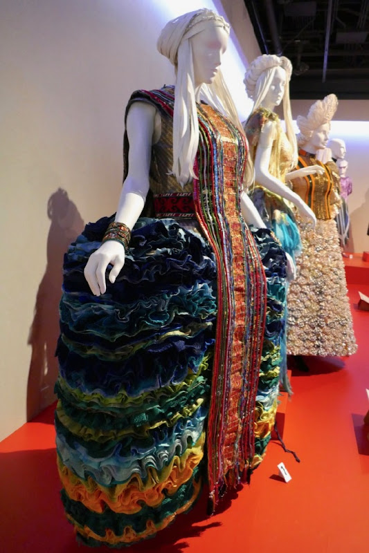 A Wrinkle in Time movie costumes