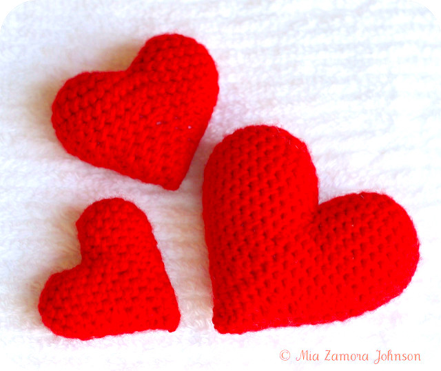 https://www.ravelry.com/patterns/library/corazoncitos-hearts