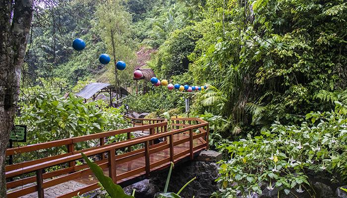Jembatan Kayu yang Instagramable di Srambang Park