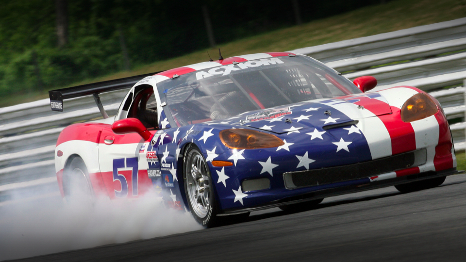 Auto Zone For Speed Lovers Basic Tips In Sports Car Racing Sports