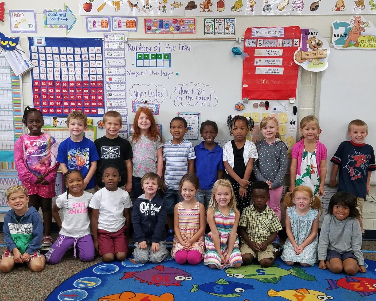 Kindergarten Class: Miss Jones' Kindergarten Class: Introducing Miss Jones