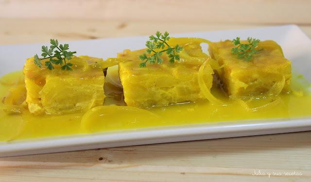 Tortilla de patatas en salsa. Julia y sus recetas