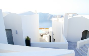 Wallpaper: Summer in Santorini Greece
