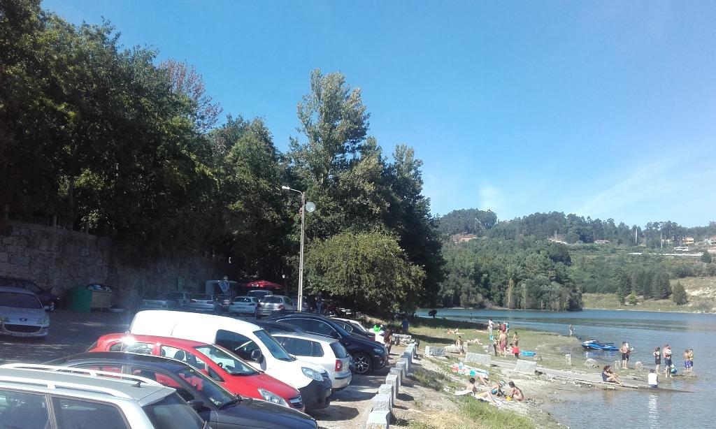 Parque de estacionamento e acesso á agua