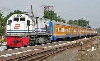 Tarif kereta api ekonomi ke Banyuwangi turun.