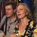 «Gazés en plein visage», un couple de touristes est évacué des Champs-Elysées (VIDEO)