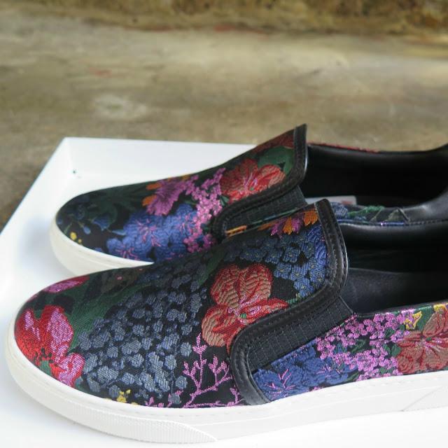 נעליים פרחוניות מהשתפ של erdem ו h&m
