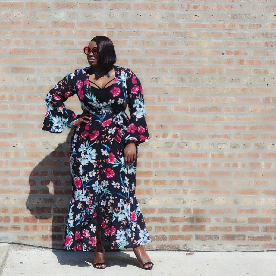 34e08e3431 I am in love with this wrap dress from Shein! It is the perfect piece for the  weather Chicago is having, super hot during the day, with a nice breeze in  the ...
